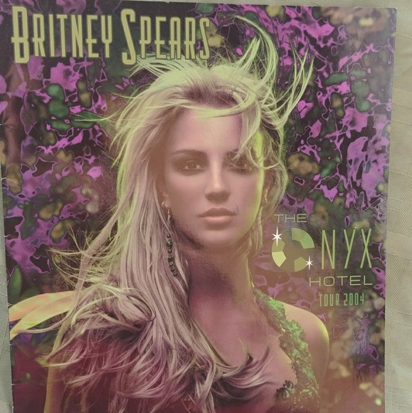 8256f9dead40f Accessories - Britney Spears 2004 Onyx Hotel Tour Book